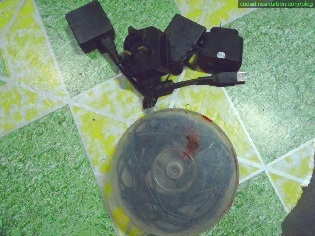 CD/DVD-Case Cable Organizer