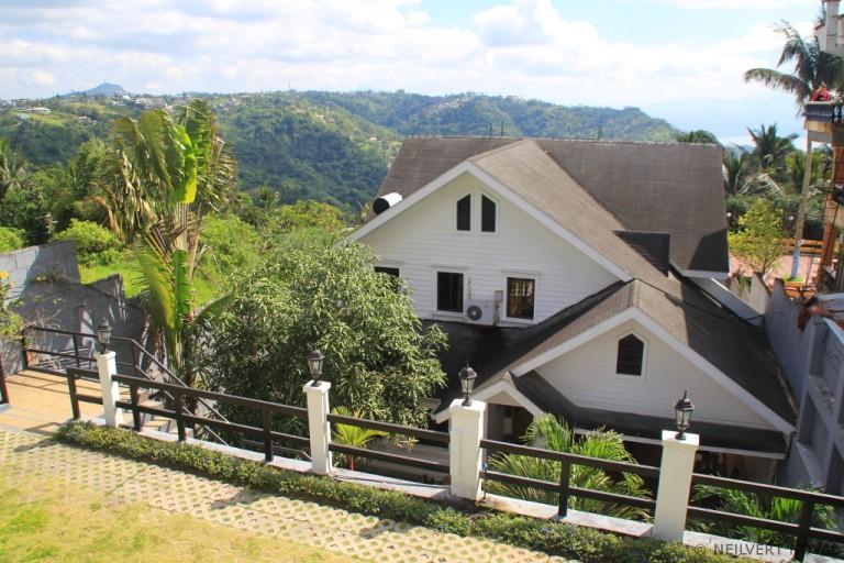Tagaytay: Chateau Beatrice