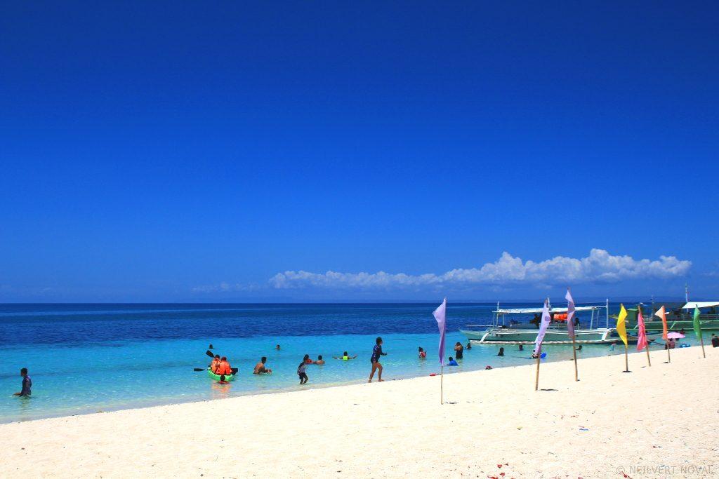Shoreline. Kalaggaman Island.
