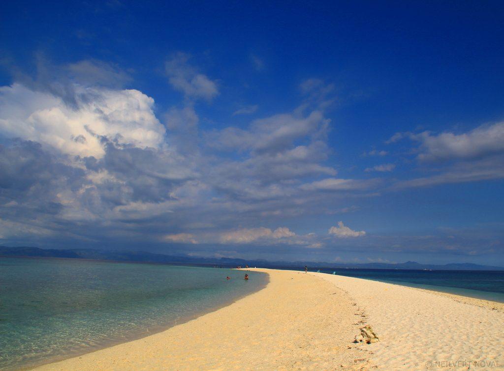 Long sandbar. Kalaggaman Island.