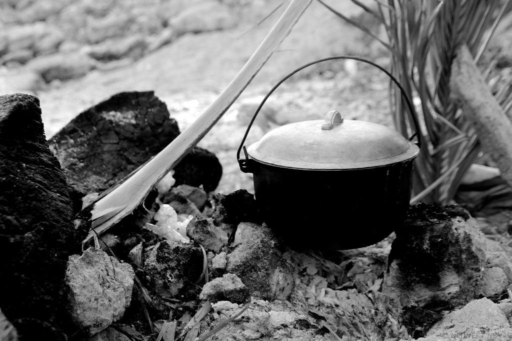 Cooking material. Kalaggaman Island.