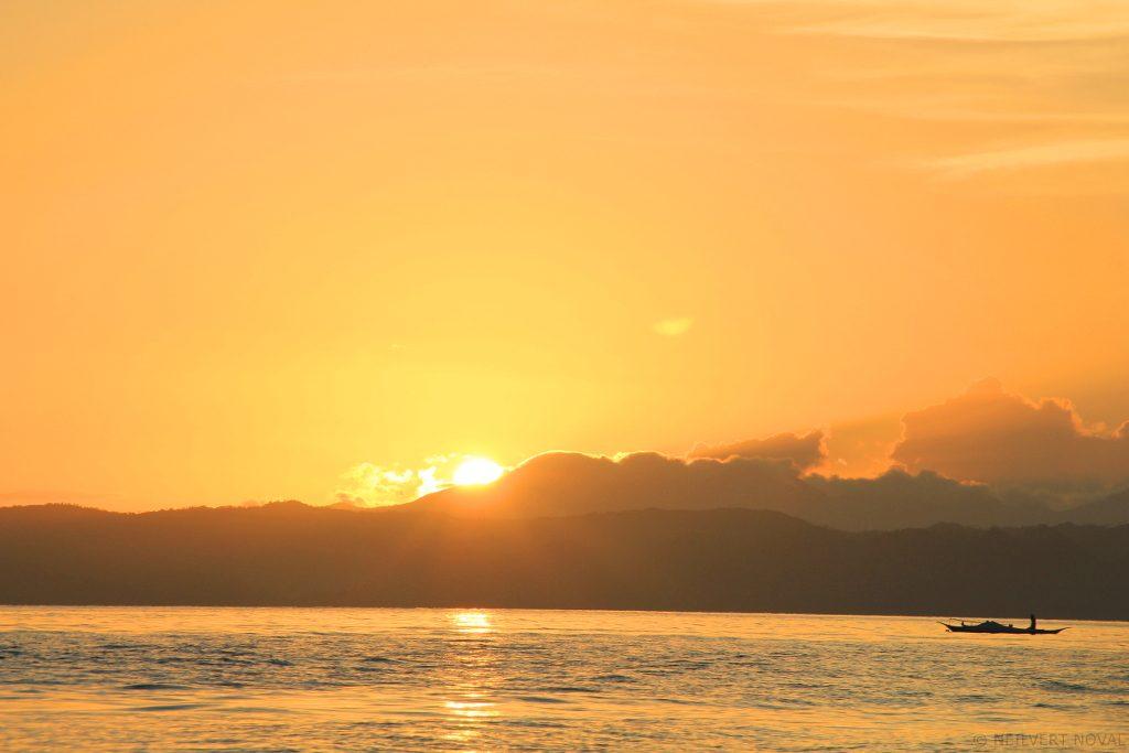 Sunrise. Kalaggaman Island.