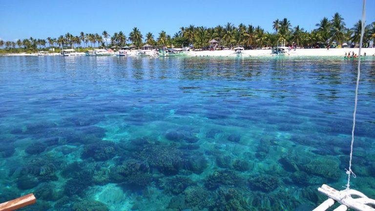 Clear water. Kalanggaman Island.