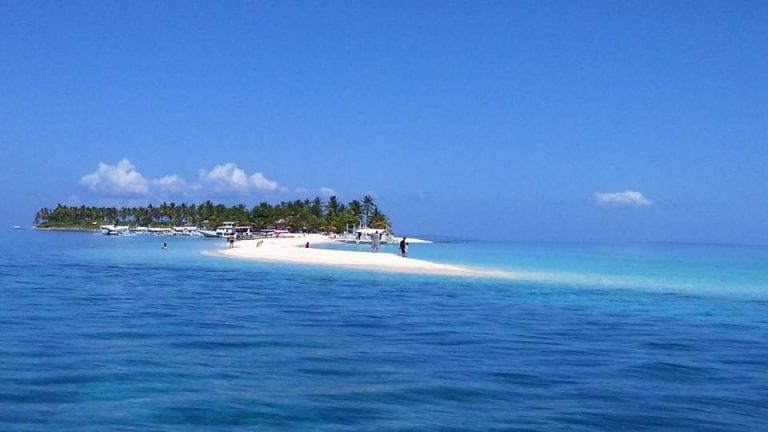 Sandbar. Kalanggaman Island.